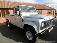Land Rover Defender 110 2.4 TDi County Pick-Up 2dr
